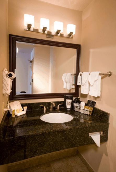 Double Queen Vanity Portland Clackamas Hotel Room